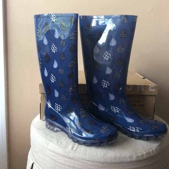 1c7df71ec95 Toms Cabrilla Rain Boots size 7. M 5b86ca5a42aa76076979494c